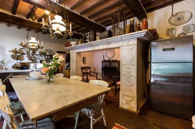 caminetto-originale-mulino-ristrutturato-vendita-toscana-maremma