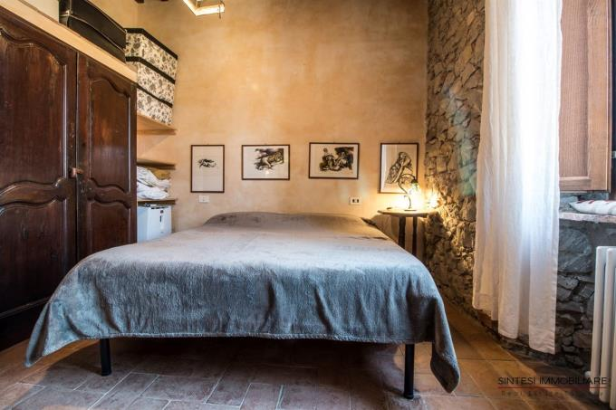 other-bed-of-enchanting-farmhouse-for-sale-tuscany-scansano-grosseto