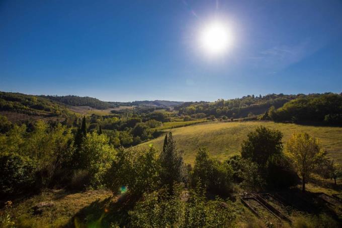 panorama-fattoria-con-vigneti-biologici-casale-d'epoca-in-vendita-toscana-san-gimignano