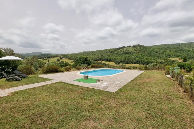 panoramicissima-piscina-esclusiva-villa-di-campagna-in-vendita-toscana-maremma-suvereto