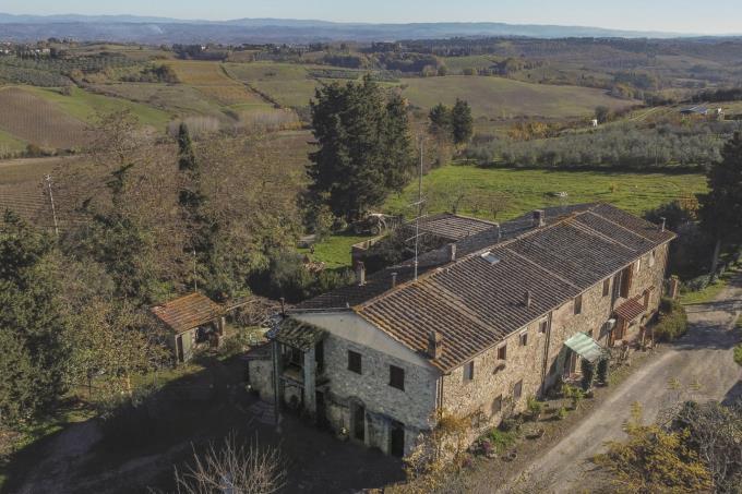 panoramicissimo-casale-in-pietra-ristrutturato-in-vendita-toscana-tra-san-gimignano-e-volterra