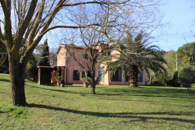 parco-villa-vendita-toscana-montescudaio