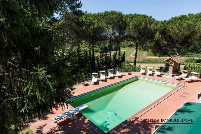 piscina-villa-vendita-toscana-pisa