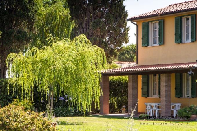 particolare-fronte-principale-villa-lusso-vendita-toscana