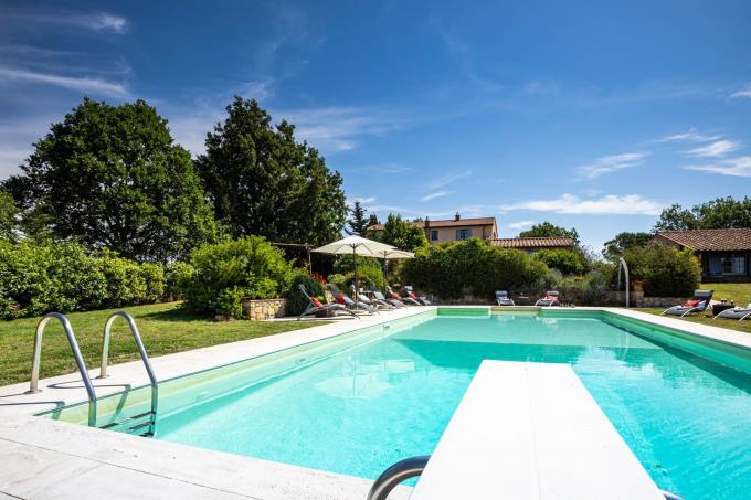 piscina-straordinaria-tenuta-in-vendita-nel-cuore-della-maremma-toscana-massa-marittima