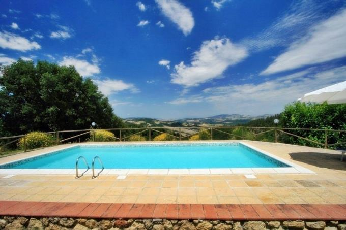 piscina-tenuta-con-due-casali-in-vendita-toscana-pisa-volterra