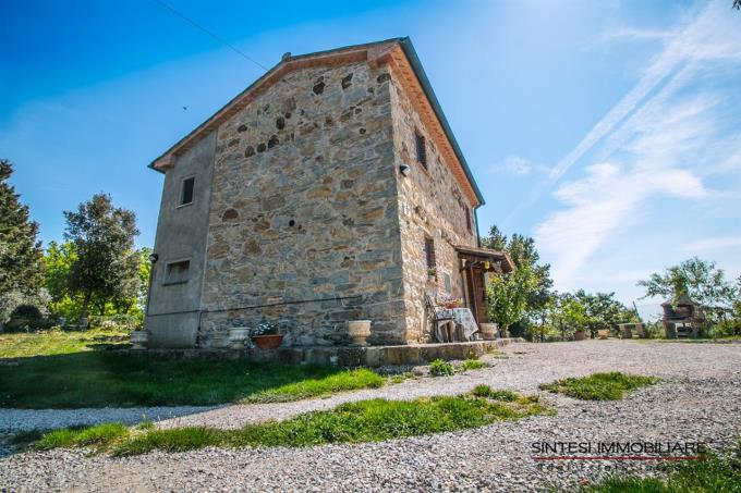 podere-mezzaluna-stone-farmhouse-for-sale-tuscany-livorno-suvereto