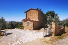 Casale ristrutturato con oliveta 3 camere 3 bagni in vendita Toscana grosseto terme saturnia