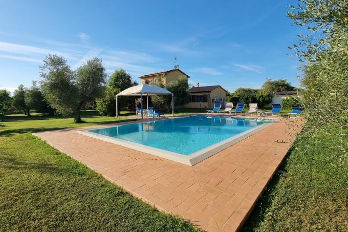 piscina-casale-di-charme-vicino-mare-toscana-costa-etrusca-castagneto-carducci
