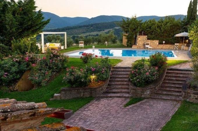 villa-settecentesca-con-piscina-in-vendita-in-toscana-pisa