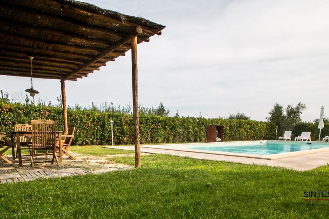 piscina-villa-vicino-al-mare-in-stile-toscano-in-vendita-toscana-castagneto-carducci-bolgheri