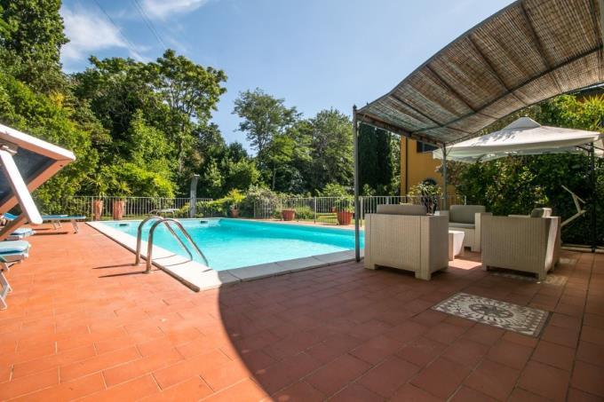 piscina-casale-di-prestigio-in-vendita-toscana-livorno-campiglia-marittima