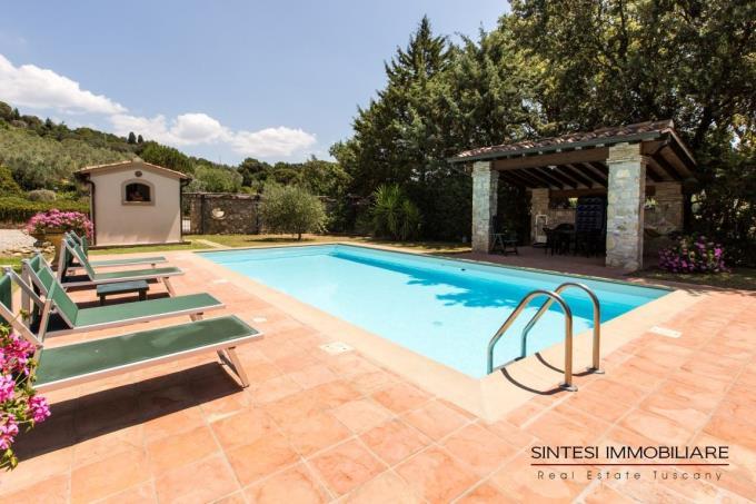 solarium-piscina-villa-vendita-toscana-riparbella