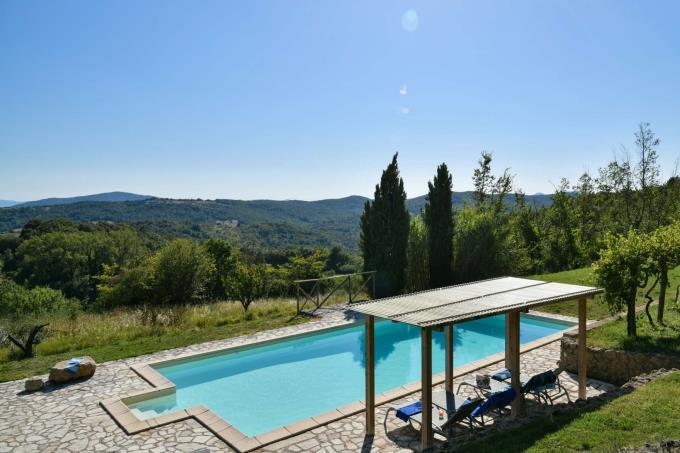 piscina-villa-antica-vista-panoramica-in-vendita-toscana-pisa-volterra