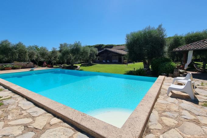 piscina-tenuta-di-chasrme-9-camere-piscina-in-vendita-toscana-maremma-capalbio