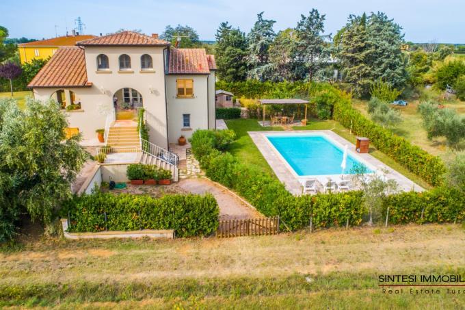 Suggestiva-villa-con-piscina-vicino-al-mare-in-vendita-toscana-castagneto-carducci-bolgheri