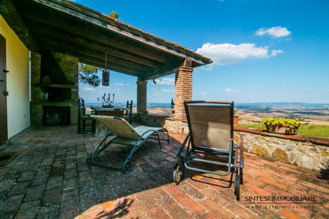 porch-with-great-view-exclusive-estate-for-sale-tuscany-pisa-volterra-countryside.jpg