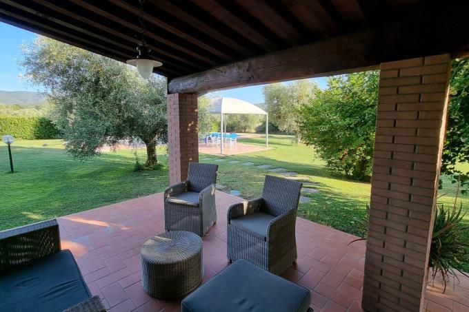 porticato-villa-di-lusso-piscina-vicino-alla-spiaggia-in-vendita-toscana-livorno-castagneto-carducci