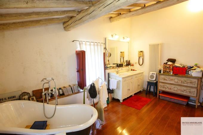 prestigiosa-proprieta-in-vendita-in-toscana-volterra-bagno