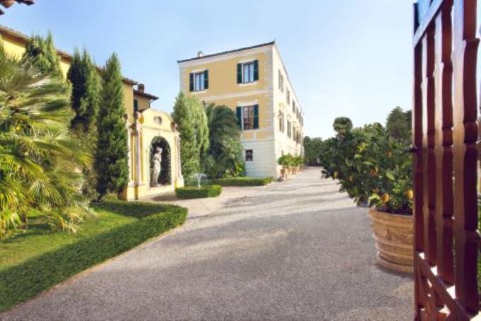 prestigioso-ingresso-esclusiva-villa-storica-in-vendita-umbria-spoleto