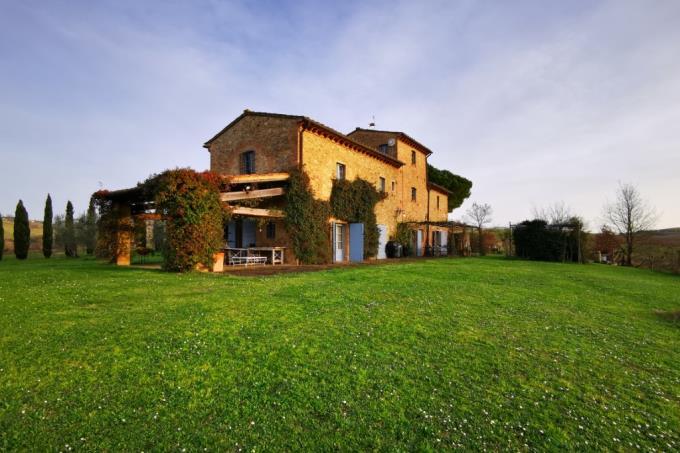 villa-di-charme-con-torre-e-vigneto-familiare-in-vendita-toscana-pisa-casciana-terme