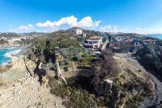 prestigioso appartamento con accesso diretto al mare in vendita in toscana costa livorno