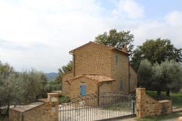 Casale ristrutturato immerso tra gli olivi in vendita Toscana Grosseto vicino alle terme saturnia