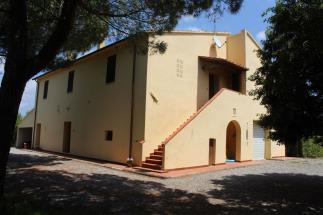 Casale   Rustico con piscina in vendita Toscana   costa Livorno   Bolgheri vicino al mare
