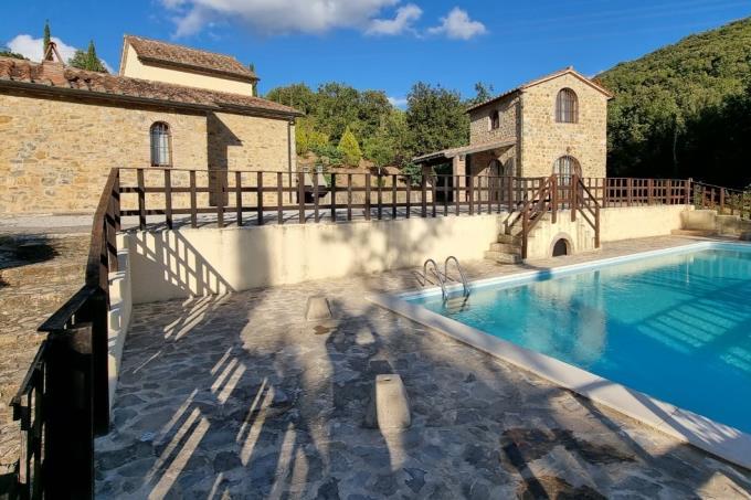 proprieta-di-prestigio-con-2-casali-ristrutturati-piscina-in-vendita-toscana-maremma-suvereto