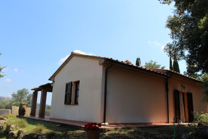 villa-di-campagna-con-piscina-immersa-nella-natura-in-vendita-toscana-castagneto-carducci-maremma