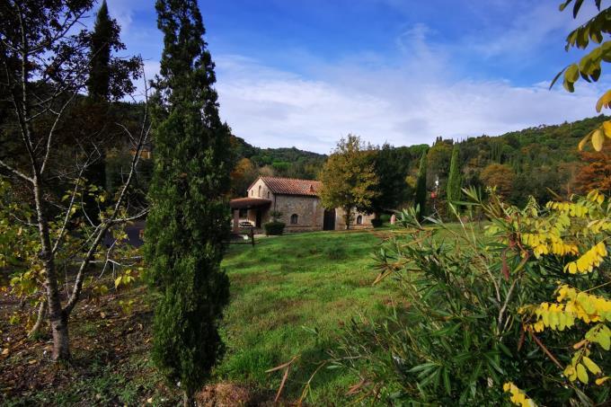 giardino-rustico-di-prestigio-in-vendita-toscana-sud-maremma-suvereto