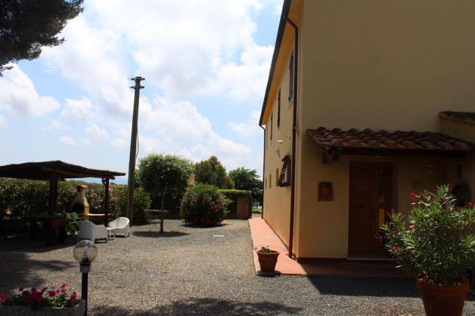 parco-incantevole-villa-con-piscina-in-vendita-toscana-livorno-bolgheri-sul-mare