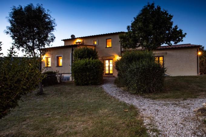 romantica-villa-di-campagna-con-piscina-6-camere-in-vendita-toscana-livorno-suvereto