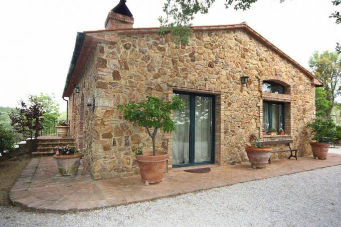 prestigioso-rustico-in-pietra-ristrutturato-in-vendita-sud-toscana-suvereto