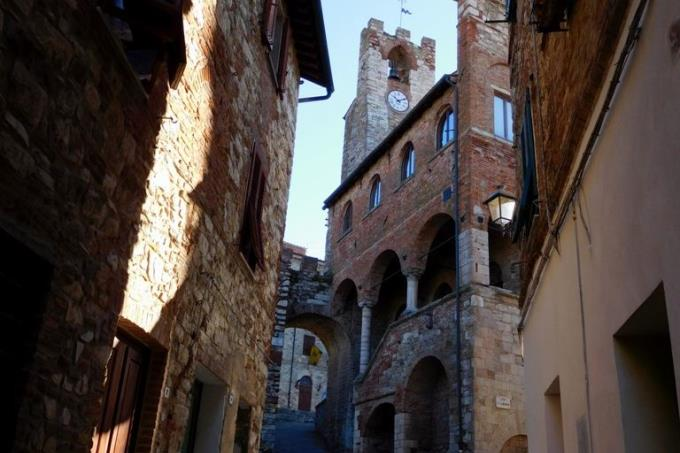 rustico-casale-in-vendita-toscana-maremma-suvereto-centro-storico