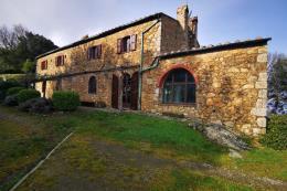 tenuta con casale ristrutt. 6 camere | 6 bagni | terreno 9 ha in vendita Toscana| Pisa| volterra