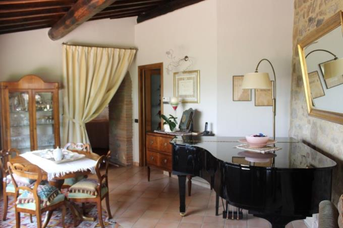 sala-prestigioso-rustico-vendita-toscana-siena.JPG
