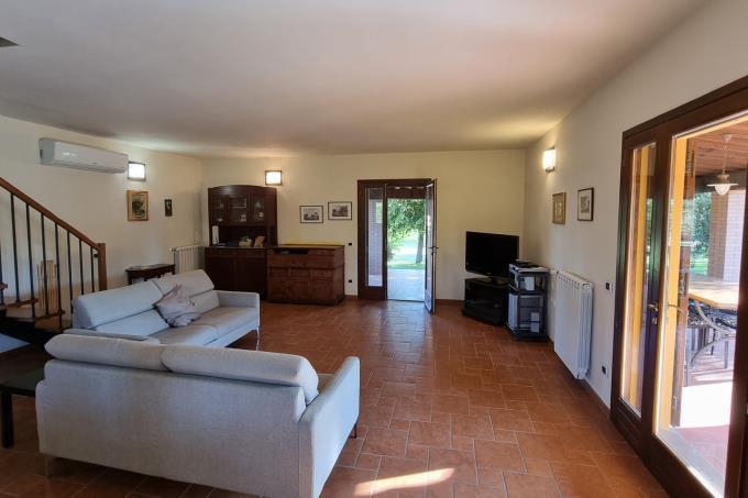 salone-casale-di-charme-piscina-sul-mare-in-vendita-toscana-livorno-castagneto-carducci