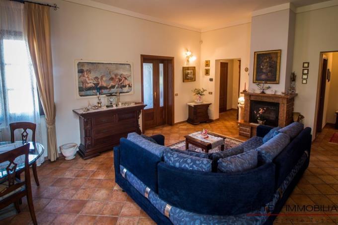 salone-esclusiva-villa-in-vendita-in-toscana-pisa-chianni