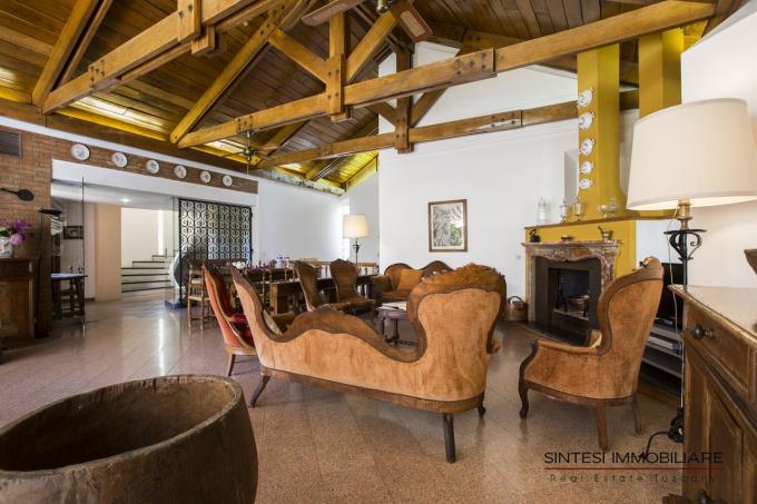 salone-principale-villa-vendita-castiglioncello