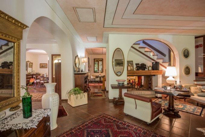 salone-villa-di-lusso-vendita-costa-toscana-livorno