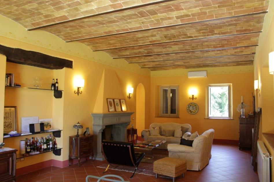 salone-villa-settecentesca-vendita-toscana