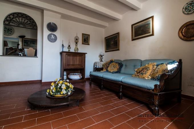 salottino-incantevole-villa-fine-800-in-vendita-toscana-pisa-lari