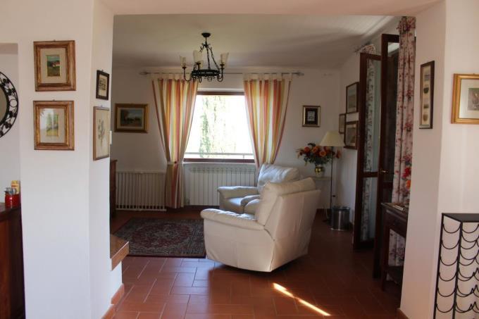 salotto-vendita-villa-vendita-talamone
