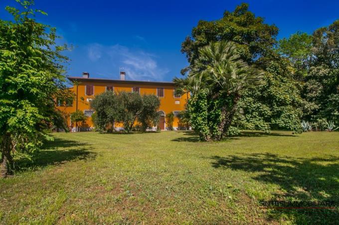 scenografica-villa-antica-piscina-in-vendita-toscana-costa-livorno-campiglia-marittima