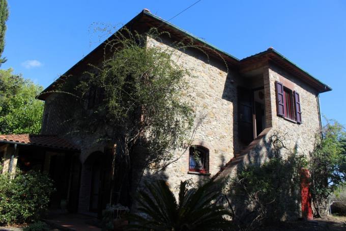rustico-casale-in-pietra-vicino-al-mare-toscana-valdicornia-suvereto