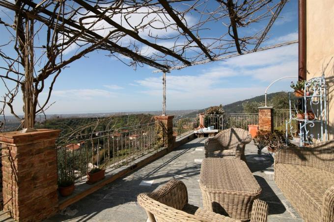 terrazza-90-mq.-casale-vista-mare-in-vendita-toscana-versilia-pietrasanta