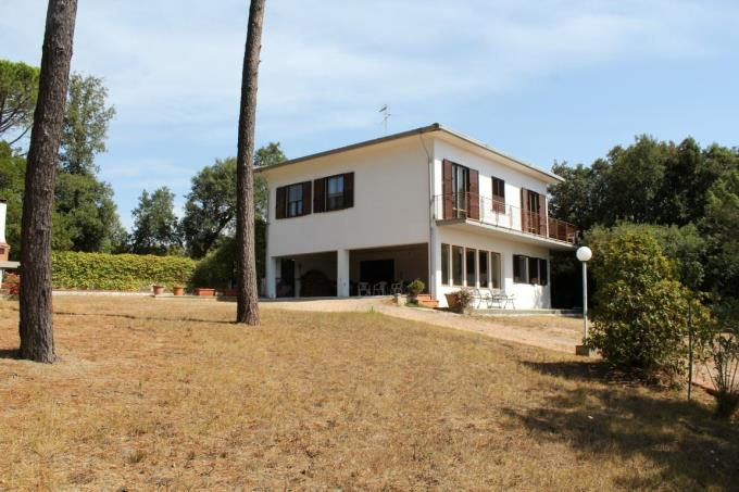 villa-vicino-mare-in-vendita-toscana-livorno-castiglioncello