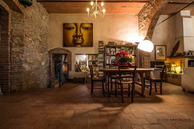 soggiorno-esclusiva-porzione-casale-ristrutturata-in-vendita-toscana-scansano