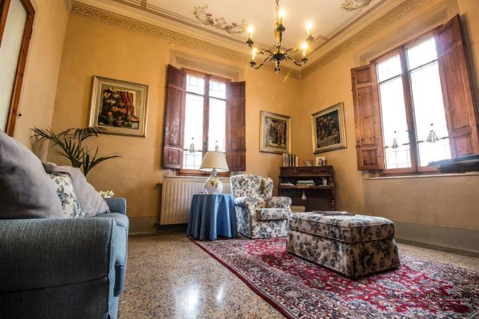 soggiorno-fattoria-con-villa-antica-di-prestigio-in-vendita-toscana-tra-pisa-e-firenze